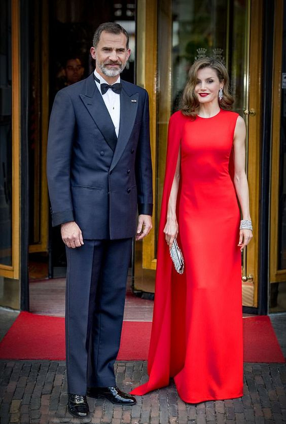 Spain Queen Letizia's long red mopping dress