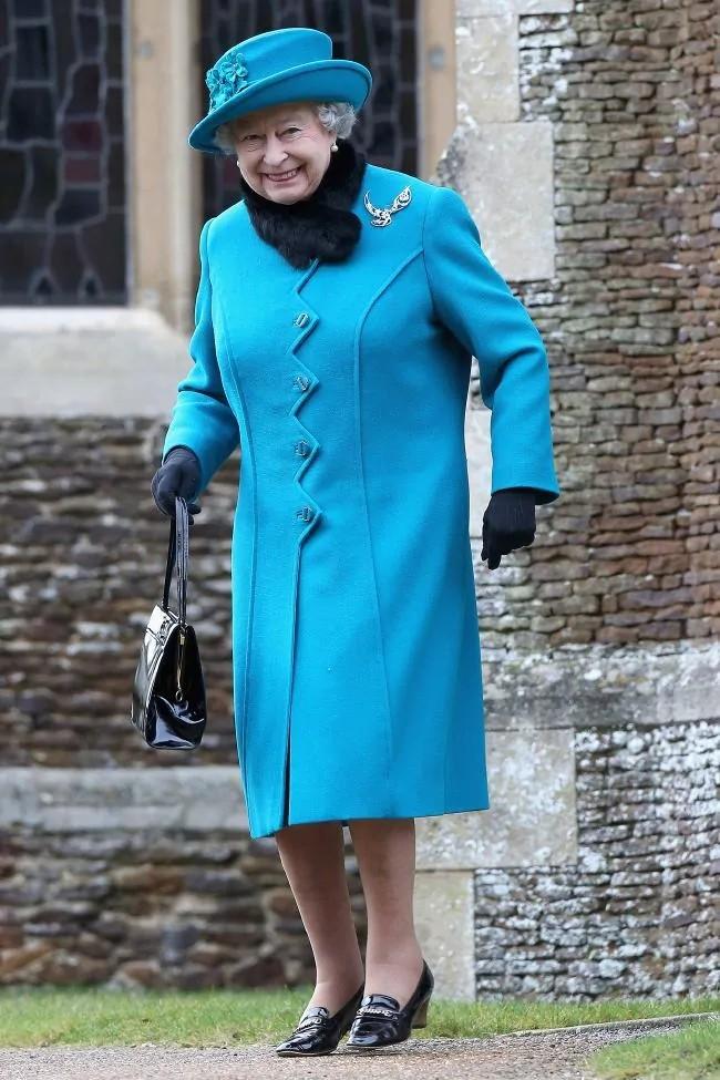 queen's blue style coat